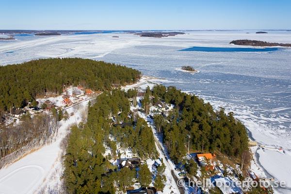 flygfoto över Köpmanholm vid Blidösund