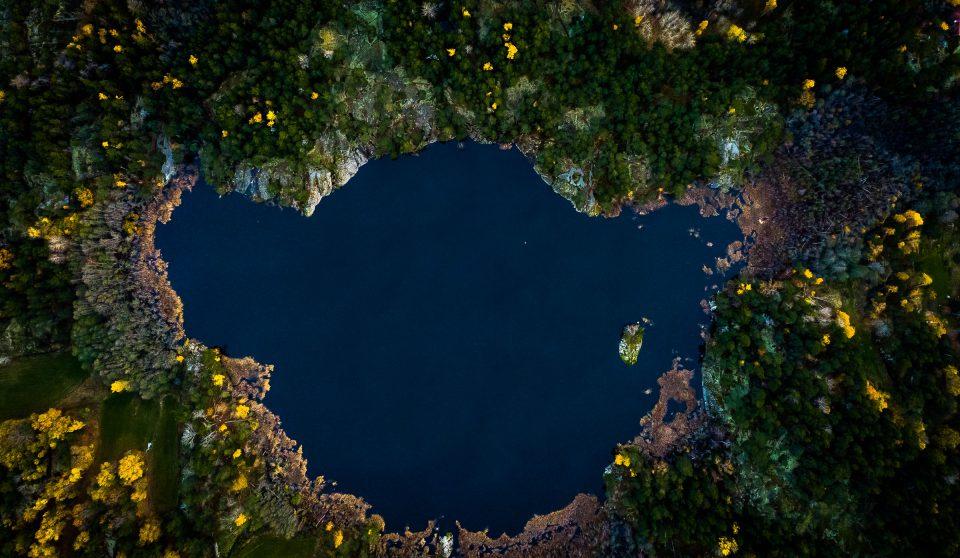Drönarfotograf insjö Ingmarsö